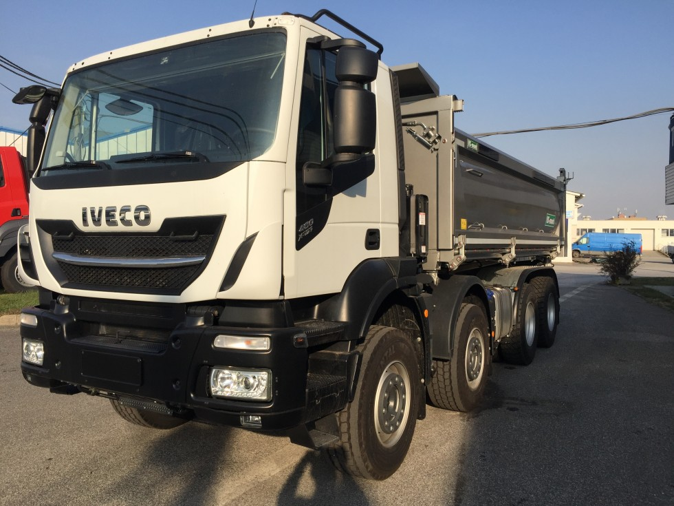 IVECO X-WAY AD340X48Z/P OFF 8x4